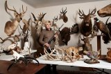 Vonda, Taxidermy Collector